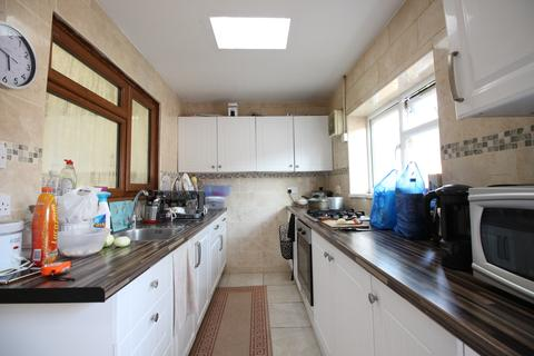 3 bedroom terraced house for sale - Baden Road, Ilford, Essex IG1