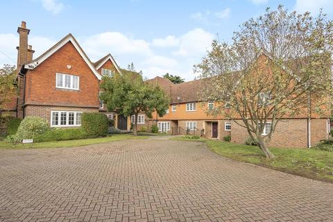 2 bedroom apartment to rent - Dorchester House, Gerrards Cross SL9 8HA