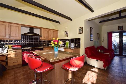 3 bedroom detached house for sale - Loose Road, Maidstone, Kent