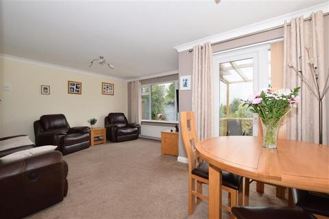 2 bedroom detached bungalow for sale - White Cottage Road, Tonbridge, Kent