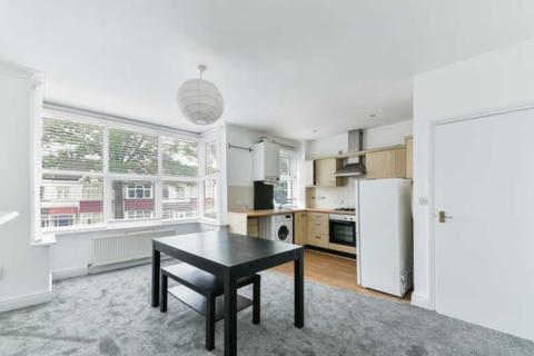 3 bedroom flat to rent - Northfield Ave, Ealing