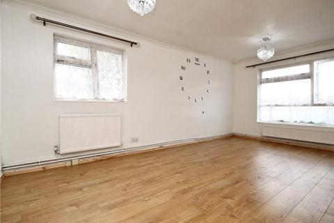 2 bedroom apartment to rent - Tracious Close, Woking, Surrey, GU21