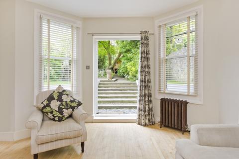 2 bedroom flat to rent - St Quintin Avenue, North Kensington, W10