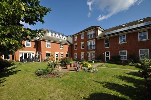 1 bedroom apartment for sale - Pell Court, Hornchurch Road, Hornchurch, Essex, RM12