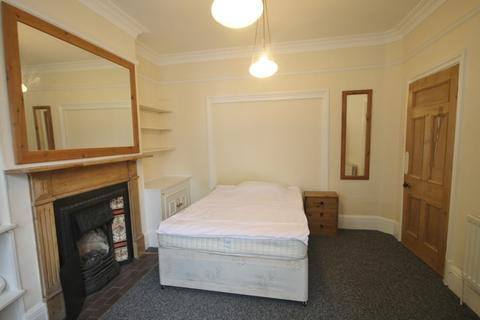 5 bedroom terraced house to rent - Howard Road, Leicester
