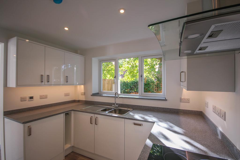 2a Holme Way 3 Bed Detached House For Sale 163 400 000