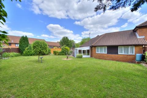 2 bedroom terraced bungalow for sale - Wharfedale, Luton
