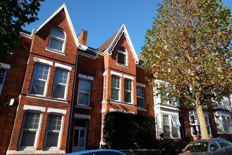 7 bedroom house to rent - Bernard Street, , Uplands