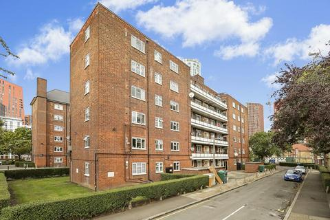2 bedroom flat for sale - Wyvil Road, London SW8