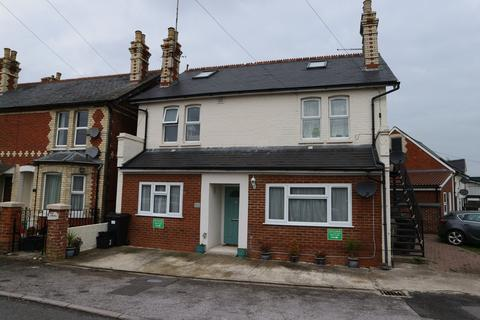 1 bedroom ground floor flat to rent - Trophy House, Great Lea Terrace, Three Mile Cross, Reading, RG7 1PB