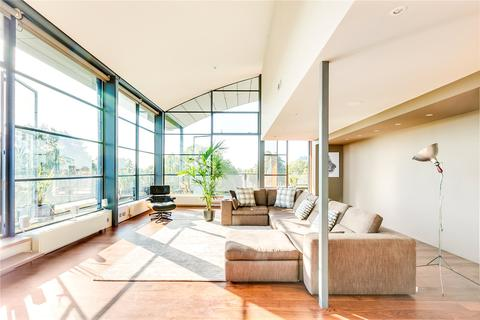 3 bedroom penthouse for sale - Chiswick Green Studios, 1 Evershed Walk, London, W4