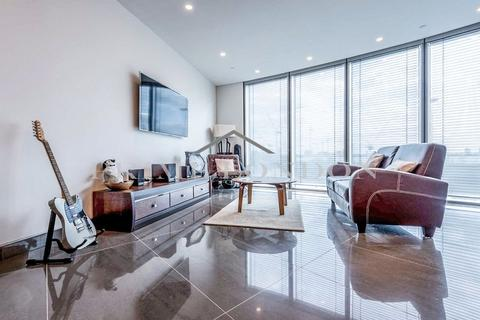 1 bedroom apartment for sale - The Tower, One St George Wharf, London