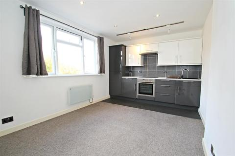 2 bedroom flat to rent - Sea Road, Boscombe, Bournemouth