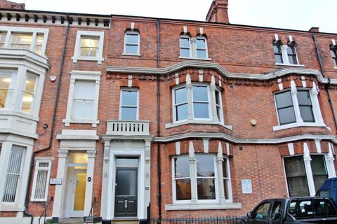 Studio to rent - De Montfort Street, Leicester