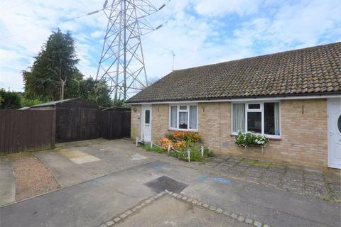 2 bedroom semi-detached bungalow for sale - Lakemead, Singleton, Ashford