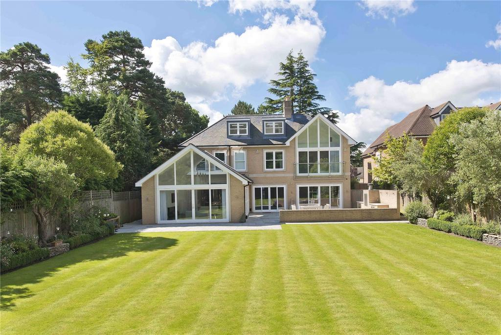 5 Bedrooms Detached House for sale in Pony Chase, Cobham, Surrey, KT11