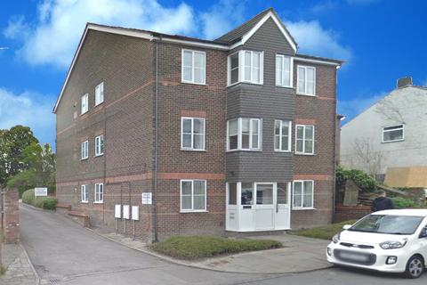 2 bedroom flat to rent - Chiltern Court, Chiltern Road LU6