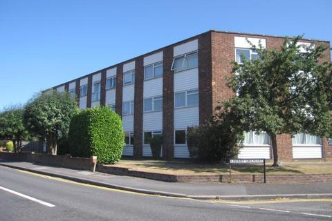 1 bedroom apartment to rent - Carlton Court, Gresham Road, Staines-upon-Thames, Surrey, TW18