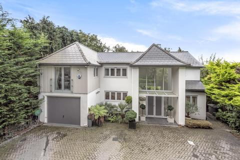 5 bedroom detached house for sale - Mount Close, Bromley
