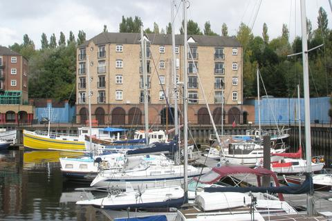 2 bedroom apartment to rent - The Moorings, St Peters Basin, Newcastle NE6