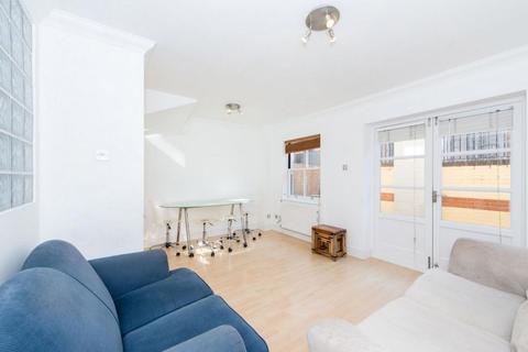 3 bedroom house to rent - Berber Place, Berber Place, Birchfield Street, London, E14