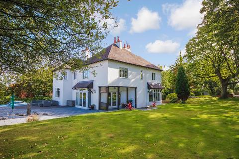 5 bedroom detached house for sale - Kings Road, Colwyn Bay LL29