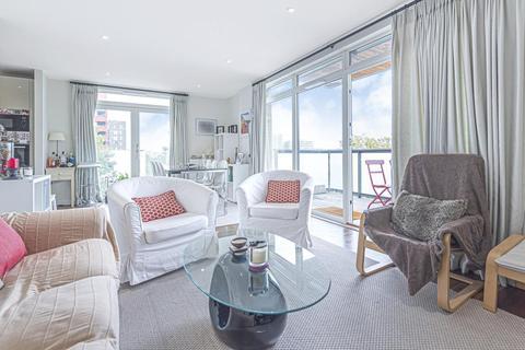 2 bedroom flat for sale - Stanley Road, Acton