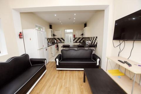 6 bedroom terraced house to rent - Tiverton Road, Selly Oak