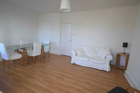 2 bedroom apartment to rent - Hainault Road, Leytonstone