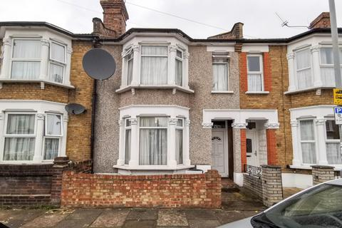 3 bedroom terraced house to rent - Francis Avenue, IG1