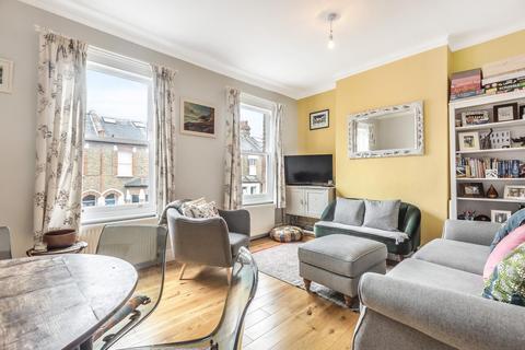 2 bedroom flat for sale - Brathway Road, Southfields