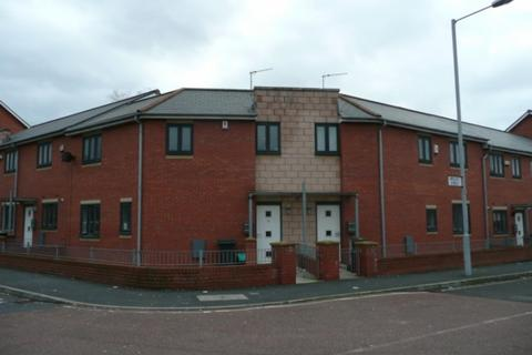 3 bedroom terraced house to rent - Leaf Street, Hulme, Manchester, M15 5LE