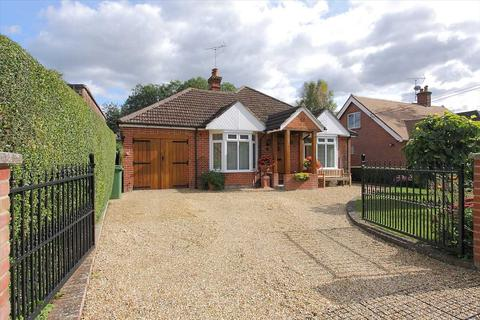 3 bedroom bungalow for sale - Winchester Road, Whitchurch