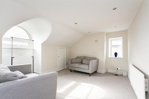 2 bedroom flat to rent - Knollys Road, Streatham Hill