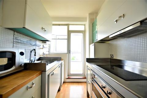 3 bedroom flat to rent - Marine Drive , , Brighton, BN2 5TP
