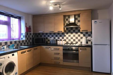 3 bedroom flat to rent - West Drayton, UB7