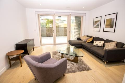 3 bedroom apartment to rent - Blackwood Apartments, Elephant & Castle, London SE17
