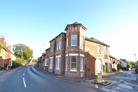 2 bedroom flat for sale - Wimborne