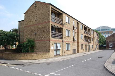 1 bedroom flat to rent - 1a Hows Road, UXBRIDGE, Middlesex