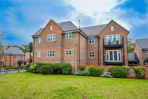 2 bedroom apartment to rent - Keaver Drive, Frimley