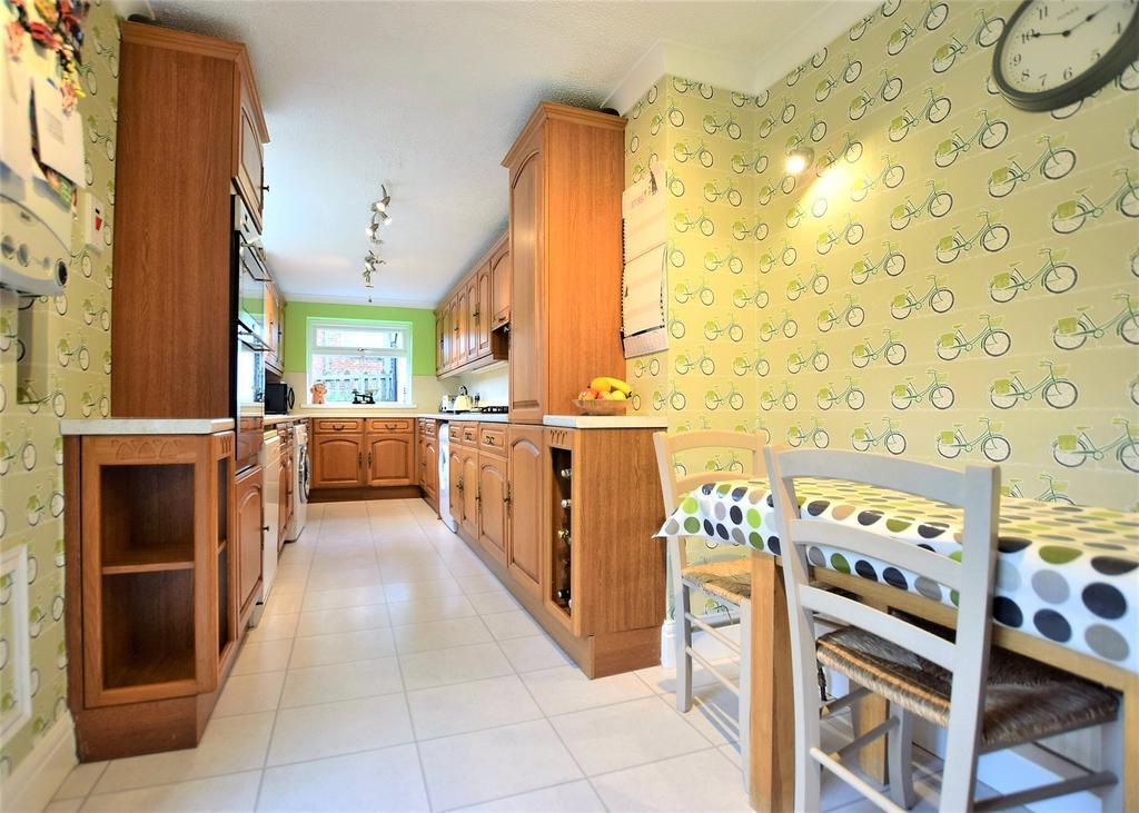 Breakfsting Kitchen