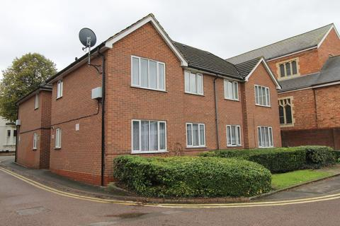 1 bedroom ground floor flat for sale - Next to Railway Station