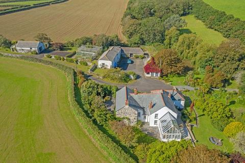 4 bedroom detached house for sale - Newtown-in-St Martin - between Helston and the sailing waters of the Helford River, South Cornwall