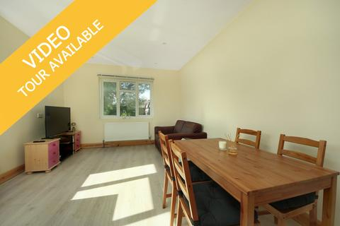 2 bedroom apartment to rent - Friary Road, W3