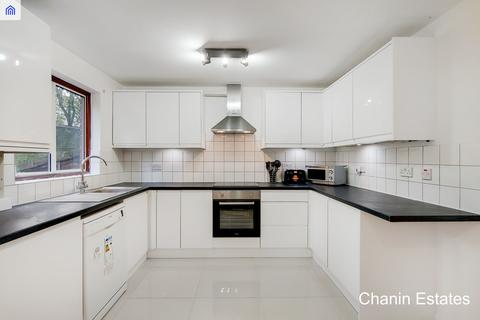 6 bedroom townhouse to rent - Windrose Close, London