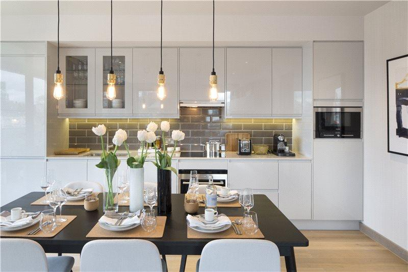 3 Bedrooms Flat for sale in The Ram Quarter, Ram Street, Wandsworth, London, SW18
