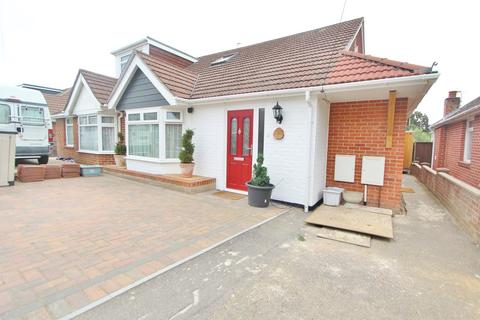 3 bedroom semi-detached bungalow for sale - Lime Avenue, Southampton