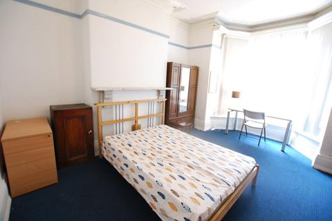 6 bedroom terraced house to rent - Harcourt Road, Sheffield