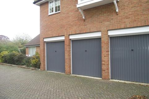 Garage to rent - Anxey Way, Haddenham