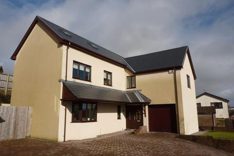 4 bedroom detached house to rent - Hillside Court Hillside Green Penyfai Bridgend CF31 4DS